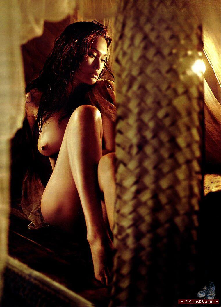 tia carrere naked photos
