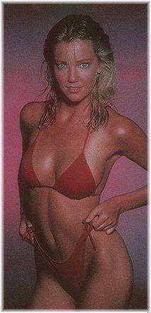 Hot Cori Nadine Nude Pool Images